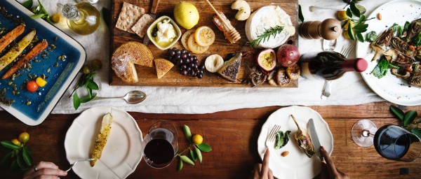 """""""French vs. American Food Rules: Misunderstandings at the table"""""""